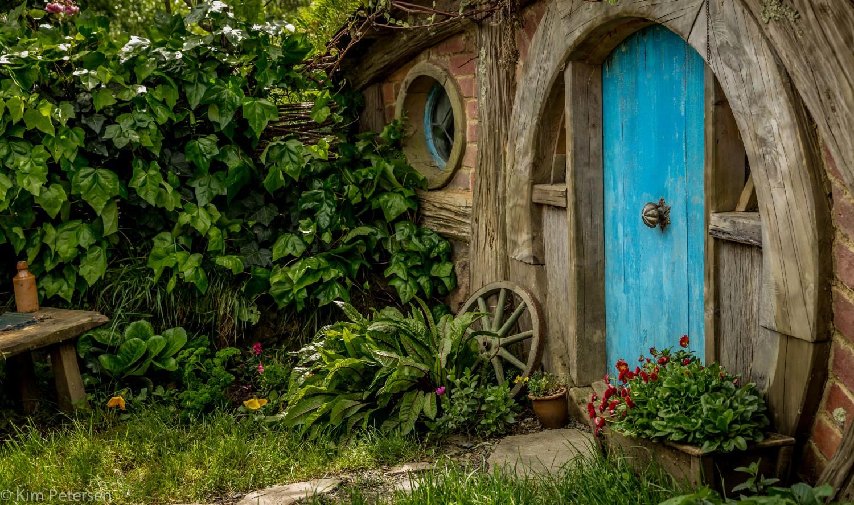 cropped-hobbit-hole.jpg